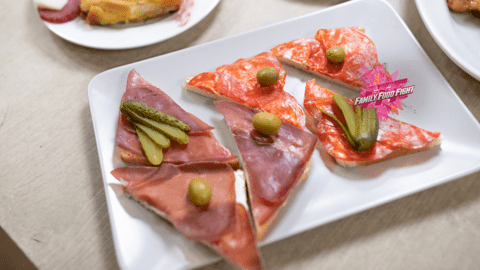 Family Food Fight: Tartine au jambon cru et au salami