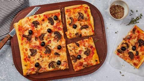 Pizza jambon-champignons