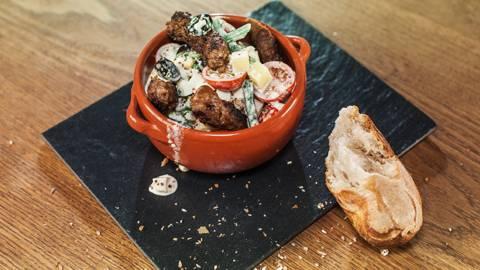 Cevapcici de bœuf sur salade Niçoise