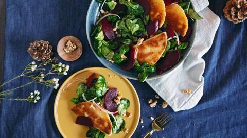Délices au fromage et salade de rampon