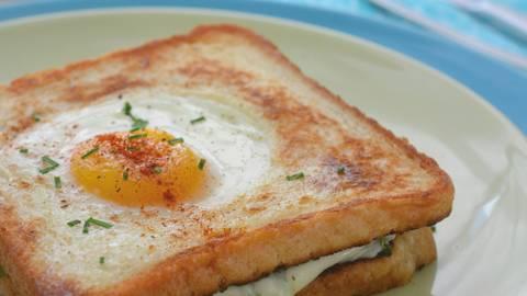 Toasts au fromage revisités