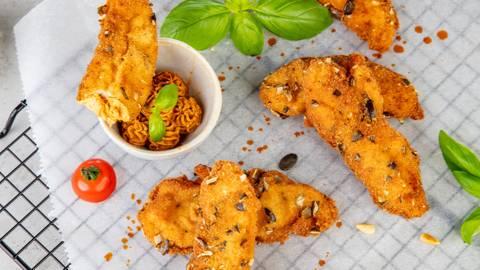 Aiguillettes de poulet enrobées de graines de citrouille et mousse épicée