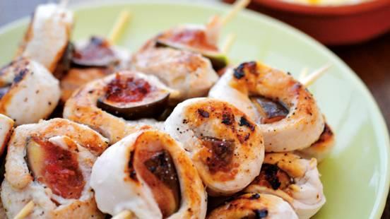 Brochettes de roulés de poulet