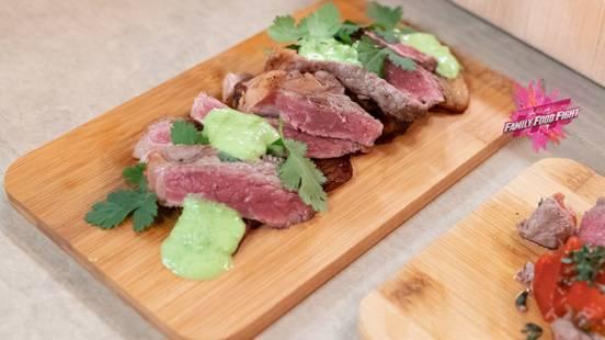 Family Food Fight: Viande de bœuf au wasabi, bananes plantains et coriandre
