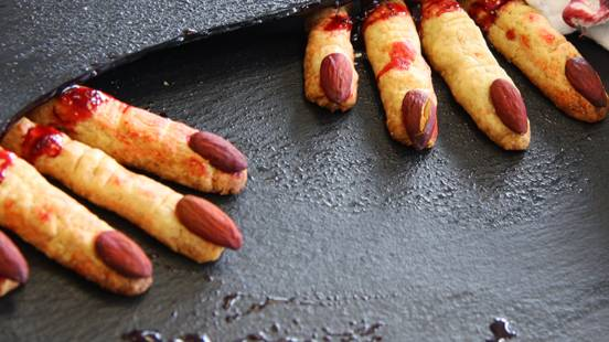 Biscuits en forme de doigts pour Halloween