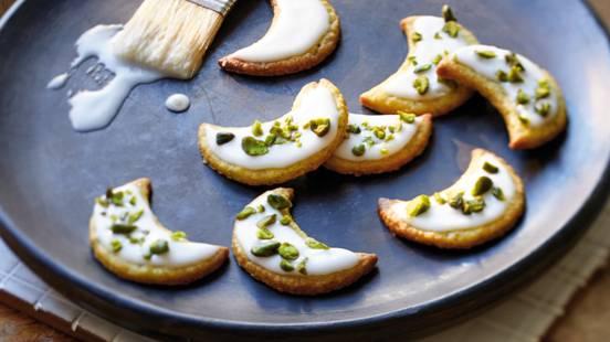 Lunes à la pistache avec nappage au citron vert