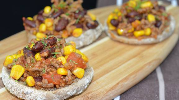 Toasts au chili con carne