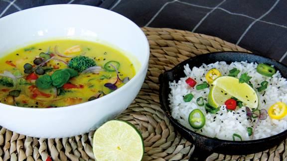 Curry végan au lait de coco et au tofu