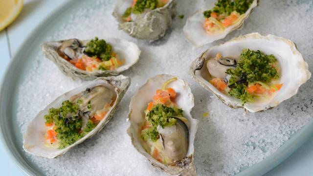 Huîtres gratinées au champagne
