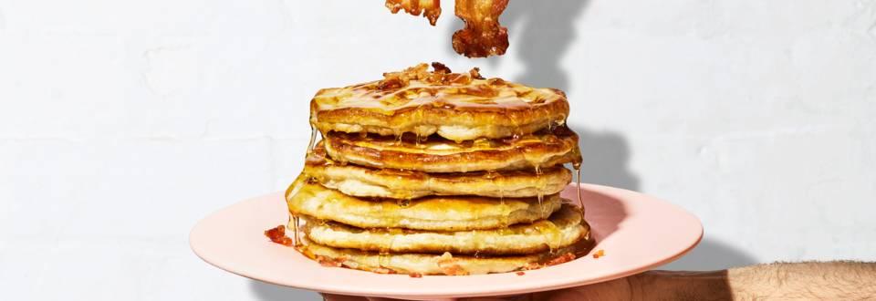 Pancakes à la banane et au lard