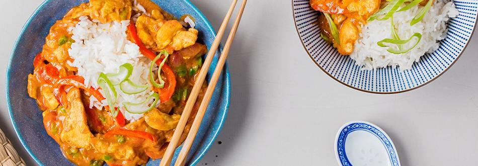 Curry de poulet du Bengale avec citronnelle et riz basmati