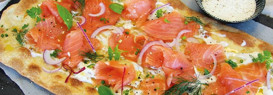 Tarte flambée au saumon fumé bio