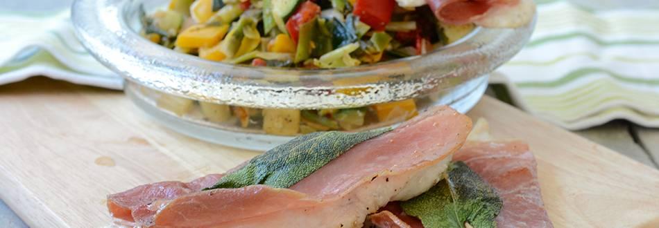 Saltimbocca de poulet cuit à la minute avec mélange de légumes