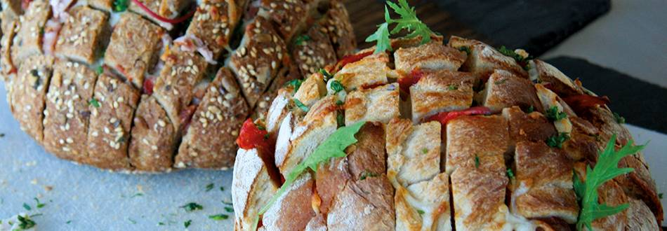 Pain garni au chorizo et à la mozzarella