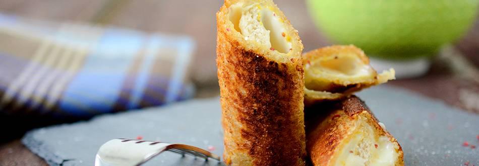 Toasts roulés au fromage en-cas