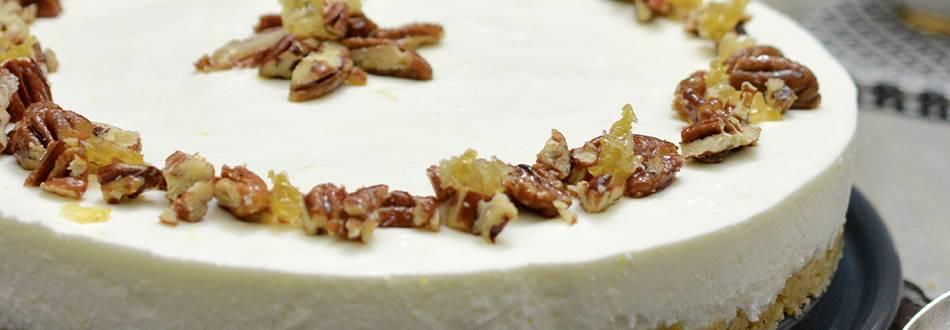 Gâteau au yogourt avec garniture aux noix et au miel