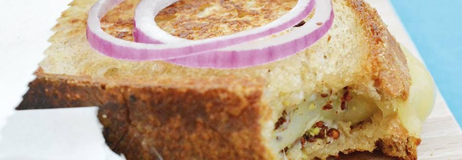 Toasts de raclette