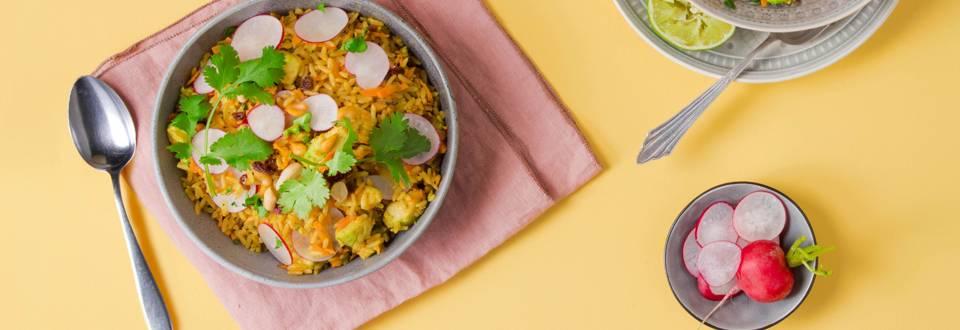 Poêlée de riz marocaine avec avocat grillé
