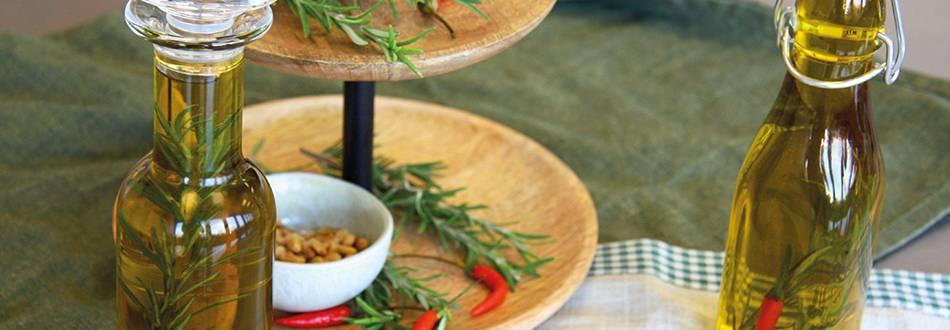 Huile au piment, au romarin et à l'ail