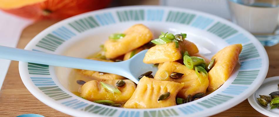 Gnocchi de pommes de terre et de potimarron au beurre d'oignons nouveaux